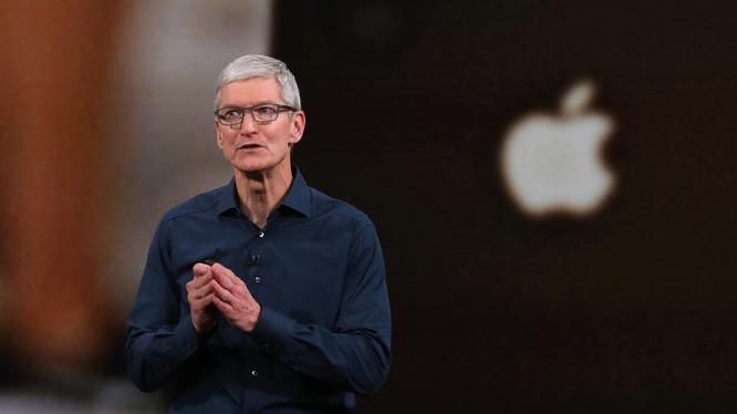 CEO Tim Cook trong buổi ra mắt sản phẩm mới của Apple, ảnh chụp ngày 12/9/2018. Ảnh: Forbes