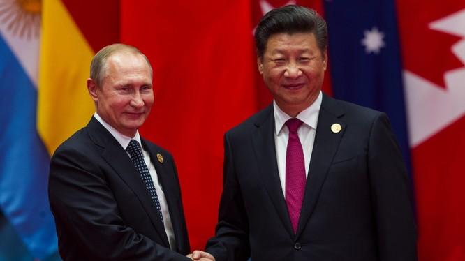 Tổng thống Nga Vlardimi Putin và Chủ tịch Trung Quốc Tập Cận Bình. Ảnh: Gizchina