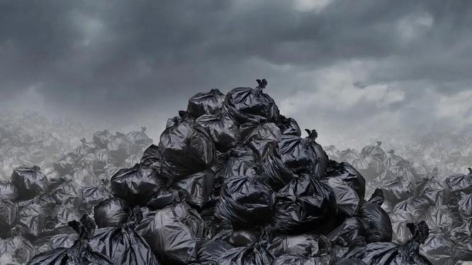 Tân Hoa xã cho biết kể từ 1-1-2021, tất cả các loại rác thải sẽ bị cấm. Ảnh: Zhihu