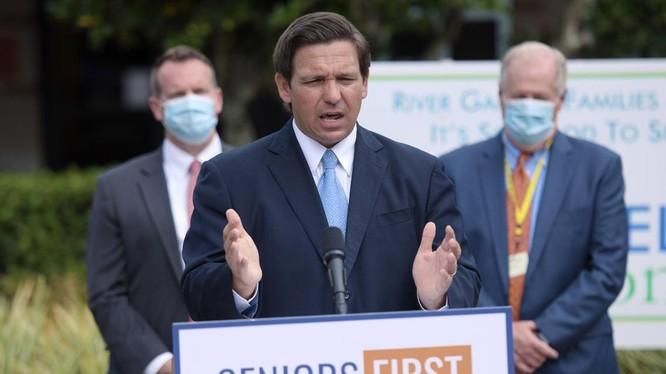Thống đốc bang Florida Ron DeSantis. Ảnh: Newsweek