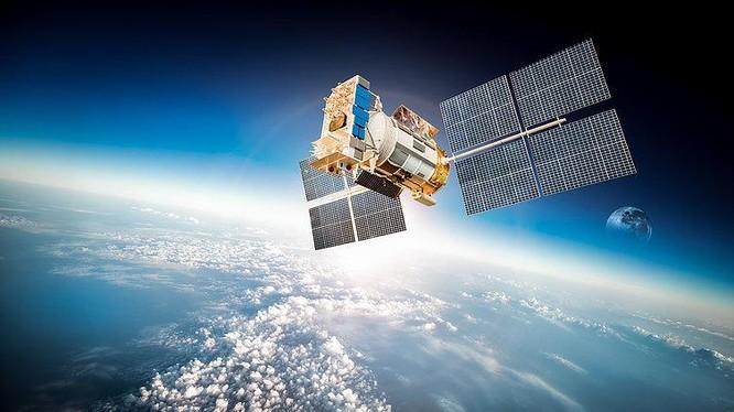 Các ông lớn công nghệ như Amazon, SpaceX, OneWeb liên tục đổ tiền đầu tư Internet vệ tinh. Ảnh: TechCrunch