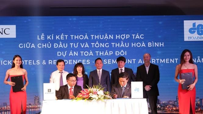 Lễ ký kết dự án Risemount Apartment Đà Nẵng giữa Hòa Bình và Chủ đầu tư Công ty Cổ phần PAVNC (Nguồn: HBC)