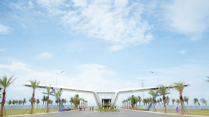 """Bên cạnh Tổ hợp sản xuất ô tô VinFast ở khu kinh tế Đình Vũ – Cát Hải tại Hải Phòng, Tập đoàn Vingroup đang tìm địa điểm cho """"Tổ hợp dịch vụ VinFast""""."""