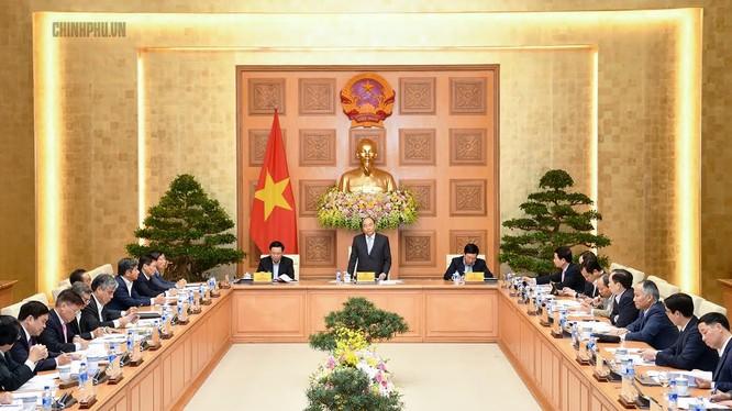 Ngày 22/12, Thủ tướng Nguyễn Xuân Phúc đã có buổi làm việc với Tổ tư vấn kinh tế tại trụ sở Chính phủ (Nguồn: VPCP)