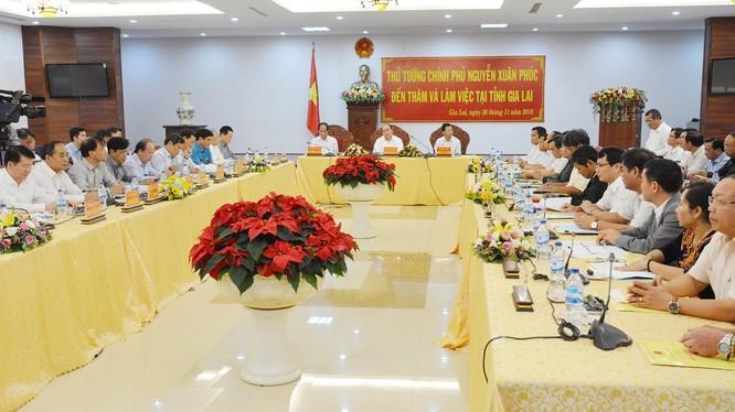 Quang cảnh buổi làm việc của Thủ tướng Chính phủ Nguyễn Xuân Phúc và lãnh đạo tỉnh Gia Lai (Nguồn: gialai.gov.vn)