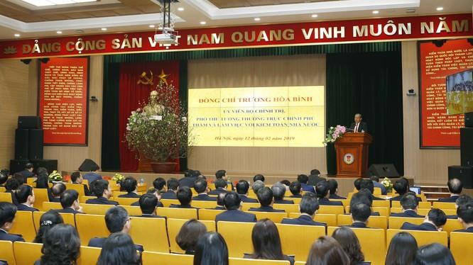 Toàn cảnh buổi gặp mặt đầu Xuân giữa Phó Thủ tướng Thường trực Trương Hòa Bình và tập thể cán bộ, nhân viên Kiểm toán Nhà nước (Ảnh: VGP/Lê Sơn)