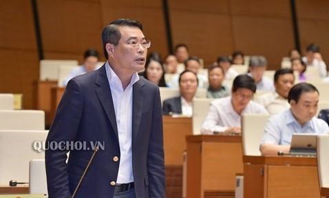 Thống đốc Lê Minh Hưng trả lời chất vấn tại nghị trường Quốc hội (Ảnh minh họa - Nguồn: quochoi.vn)