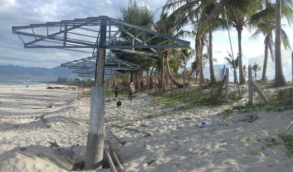 Phần xây dựng trái phép trong khu vực bờ biển thuộc dự án Khu du lịch Phương Mai – Dốc Lết