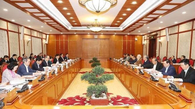 Toàn cảnh một buổi họp của Bộ Chính trị (Ảnh: TTXVN)