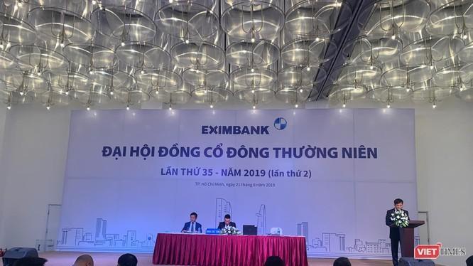 Một phiên họp ĐHĐCĐ của Eximbank năm 2019