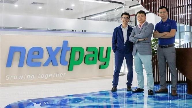 Từ trái qua: ông Nguyễn Hữu Tuất - CEO của NextPay, ông Nguyễn Hòa Bình - Chủ tịch NexTech và ông Đỗ Công Diễn - Giám đốc vận hành NextPay.
