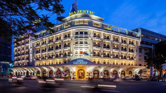Khách sạn Majestic Hotel