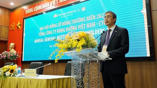 Ông Đặng Ngọc Hoà, Chủ tịch HĐQT Vietnam Airlines, phát biểu tại ĐHĐCĐ thường niên năm 2021