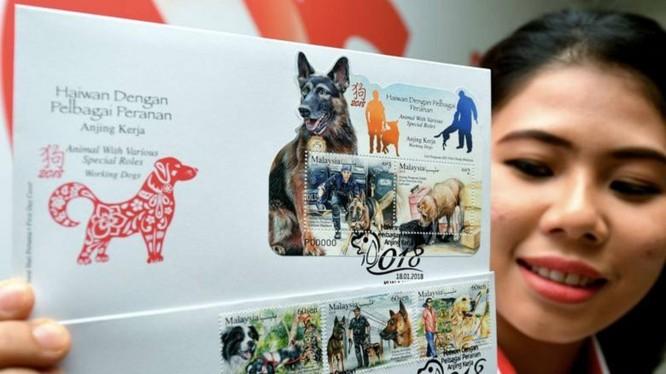 Pos Malaysia gần đây đã đưa ra một loạt tem kỷ niệm với hình ảnh những chú chó để chào mừng năm Mậu Tuất. Ảnh: Bernama