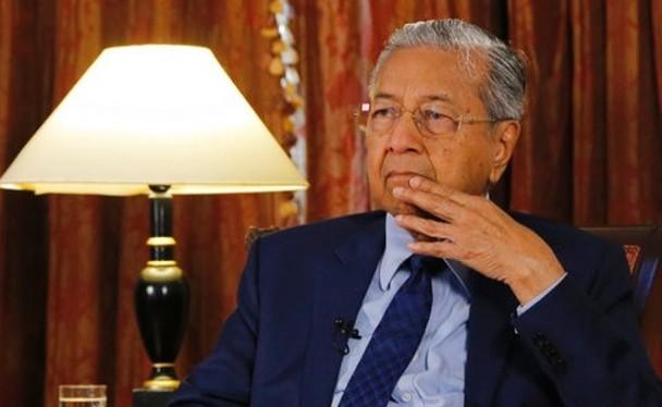 Ông Mahathir Mohamad có những tuyên bố cứng rắn với Trung Quốc ngay trước chuyến thăm Bắc Kinh