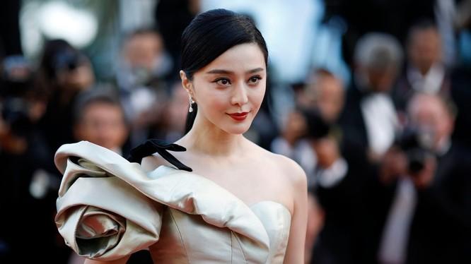 Phạm Băng Băng, nữ minh tinh đẹp nhất và thu nhập cao nhất Trung Quốc hiện mất tích từ hưn 3 tháng nay