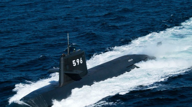 Tàu ngầm Kuroshio của Nhật đang thăm cảng Cam Ranh