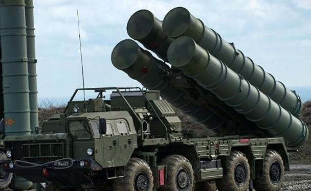 Hệ thống tên lửa phòng không tầm xa S-400 Trung Quốc mua của Nga đầu năm nay