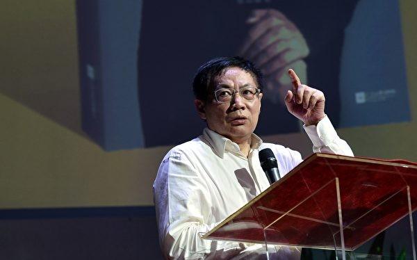 Nhiệm Chí Cường: hiện nay chính phủ Trung Quốc đang củng cố vững chắc hơn Trường Thành của mình, đi ngược lại tư tưởng cải cách mở cửa mà ông Đặng Tiểu Bình đề xướng.