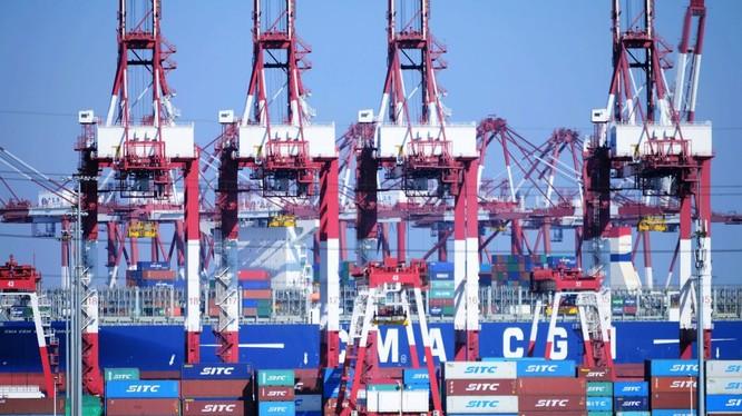 Với ảnh hưởng của Chiến tranh thương mại Trung – Mỹ ngày càng rõ nét, mức tăng trưởng kinh tế trong quý 4 của Trung Quốc có thể sẽ chịu áp lực rất lớn.