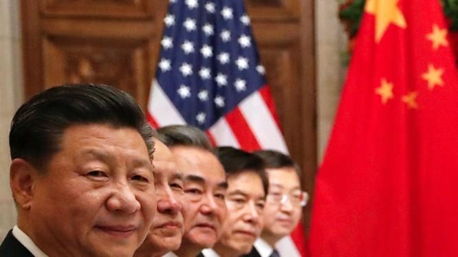 Phương châm 21 chữ được Đa Chiều coi là sách lược của ban lãnh đạo Trung Quốc dùng đối phó với Mỹ hiện nay.