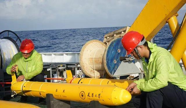 Tàu lượn không người lái ngoài mục đích nghiên cứu khảo sát biển,còn được sử dụng như phương tiện tuần tra và vũ khí chiến đấu trên biển