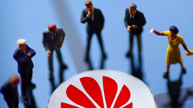 Huawei và Trung Quốc đang phải đương đầu với sự bao vây, ngăn chặn của Mỹ và các đồng minh.