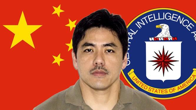 Lý Xuân Thành (Jerry Chun Shing Lee), cựu nhân viên CIA hôm 1.5 đã nhận tội làm gián điệp cho Trung Quốc trước tòa