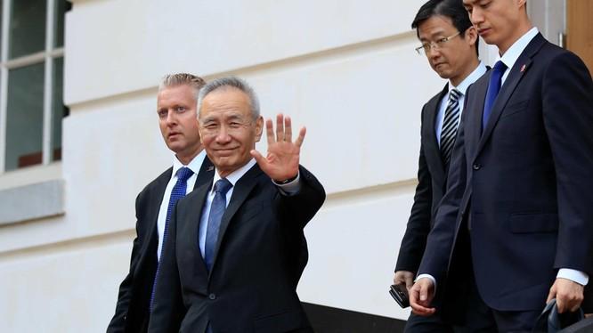 """Phó Thủ tướng Lưu Hạc lần này đến Mỹ không với tư cách """"đặc sứ của Chủ tịch Tập Cận Bình"""" được cho là ảnh hưởng đến kết quả đàm phán"""