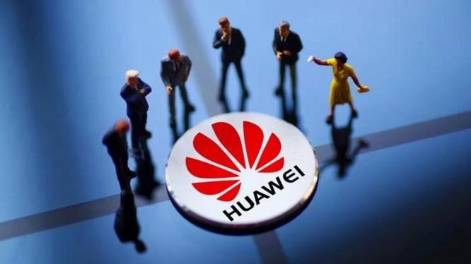 """Huawei hiện nay được ví như đang ở trong tình cảnh """"Thập diện mai phục"""" bị bao vây, đánh từ mọi phía"""
