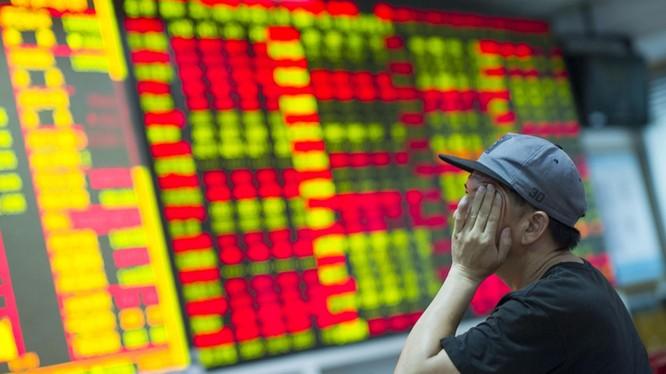 Các nhà đầu tư chứng khoán Trung Quốc lo ngại do chiến tranh thương mại leo thang, các nhà đầu tư nước ngoài sẽ rút khỏi thị trường chứng khoán Trung Quốc.