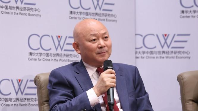 Giáo sư Chu Thành Hổ: Mỹ không chỉ đánh chiến tranh thương mại, mà đã bắt đầu đánh chiến tranh công nghệ cao và chiến tranh tài chính với Trung Quốc. Trong tương lai sẽ là chiến tranh mạng, chiến tranh tranh giành không gian và cuộc đối đầu về địa chính t