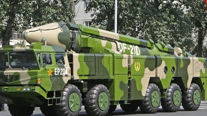 """Loại tên lửa chống hạm DF-21D được Trung Quốc gọi là """"Sát thủ tàu sân bay"""" có thể đã được phóng thử ra Biển Đông cuối tuần qua"""