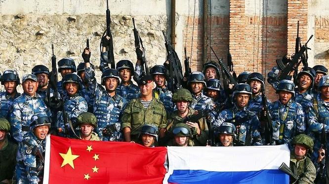 Sự hợp tác quân sự giữa Trung Quốc và Nga ngày càng chặt chẽ với các cuộc tập trận chung trên đất liền, trên biển và tuần tra chung trên không