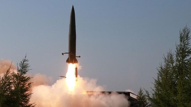 Hành động phóng tên lửa sáng 25/7 của Triều Tiên được cho là phản ứng lại việc Mỹ và Hàn Quốc chuẩn bị tập trận