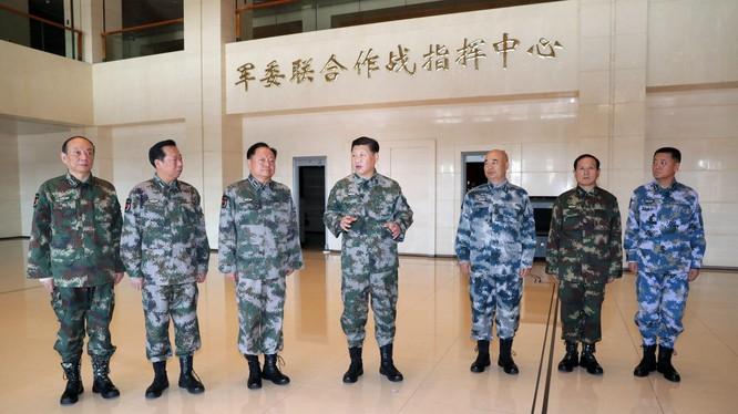 Lần đầu tiên trong Sách trắng quốc phòng của Trung Quốc đề cập đến khả năng dùng vũ lực để giải quyết vấn đề Đài Loan