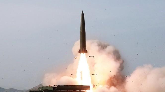 Ngày 10/8 Triều Tiên đã tiến hành phóng thử loại vũ khí mới từ căn cứ ở Hamhung ra vùng biển phía Đông.
