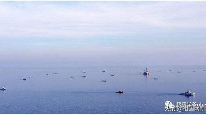 Các tàu công vụ Việt Nam và Trung Quốc trên vùng biển gần Tư Chính. (Ảnh: Sohu)