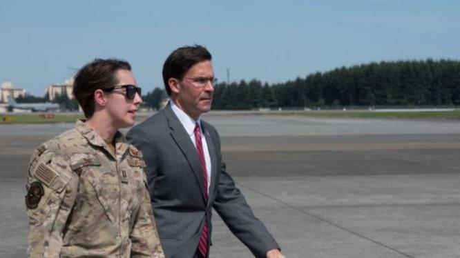 Bộ trưởng Quốc phòng Mỹ Mark Esper kiểm tra lực lượng không quân tác chiến đặc biệt ở Nhật hôm 7/8
