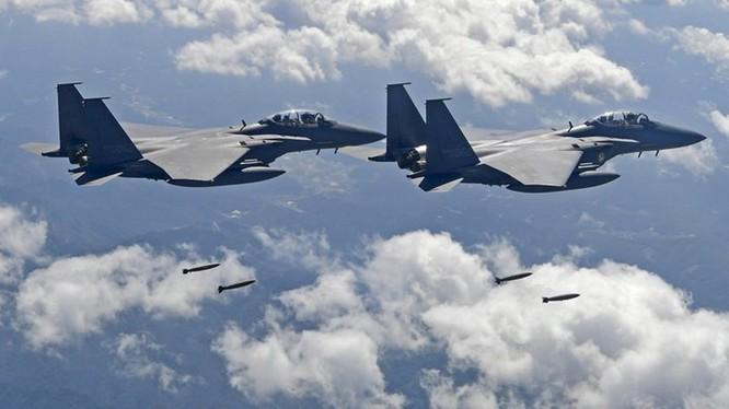Quân đội Hàn Quốc huy động máy bay F-15K tham gia tập trận ở đảo Dokdo/Takeshima. Ảnh: RTI
