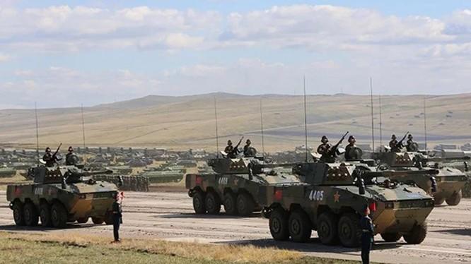 """Trung Quốc cử 1.600 quân và các phương tiện quân sự tham gia cuộc tập trận lớn """"Trung tâm - 2019"""" tại Nga. Ảnh: The Paper"""
