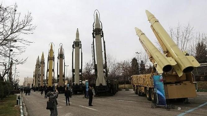 Sự phát triển nhanh chóng và những thành tựu về công nghệ tên lửa đạn đạo của Iran đã khiến Mỹ và đồng minh trong khu vực không thể xem thường