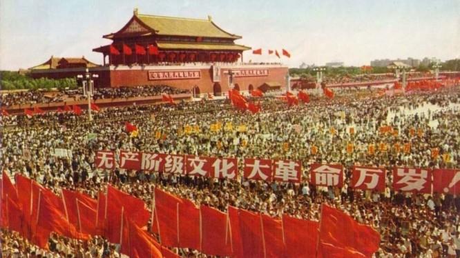 """Nhân 70 năm Quốc khánh, Trung Quốc đã chính thức đánh giá lại cuộc """"Đại cách mạng Văn hóa"""". Ảnh: Đa Chiều/VCG"""