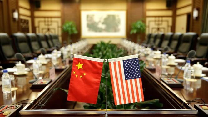 Vòng đàm phán thương mại Mỹ - Trung thứ 13 chưa bắt đầu, Mỹ đã liên tiếp ra đòn với Trung Quốc
