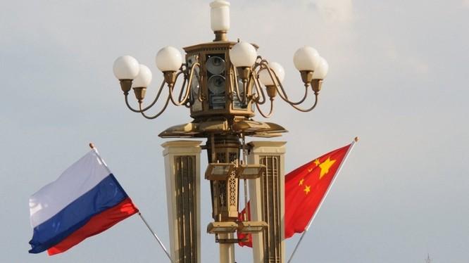 Những năm gần đây quan hệ Nga - Trung Quốc ngày càng trở nên gắn bó.