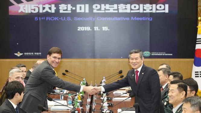 Bộ trưởng Quốc phòng Mỹ và Hàn Quốc tại Hội nghị an ninh Hàn Quốc - Mỹ thường niên lần thứ 51 hôm 15/11.