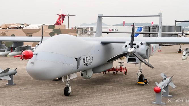 Loại máy bay không người lái trinh sát chiến đấu đường dài tầm trung và cao không TW328 do Công ty Công nghệ Tengden Tứ Xuyên nghiên cứu phát triển.
