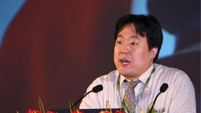 Tiến sỹ Cao Thiện Văn gây rúng động khi công khai dự báo: tăng trưởng kinh tế của Trung Quốc sẽ không tới 5%, trong 10 năm tới, nó sẽ chỉ cố giữ lấy 4%, phấn đấu đạt 5%.
