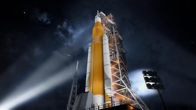 Hệ thống phóng tàu không gian Space Launch System của Mỹ bị Doãn Thành Sán tráo sản phẩm thép Trung Quốc thay cho thép Mỹ.
