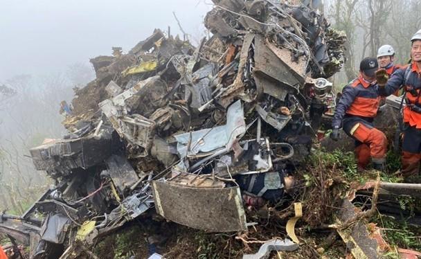 Hiện trường chiếc UH-60M bị rơi khiến Tổng Tham mưu trưởng và 7 sĩ quan quân đội Đài Loan tử nạn. (Ảnh: Đông Phương)